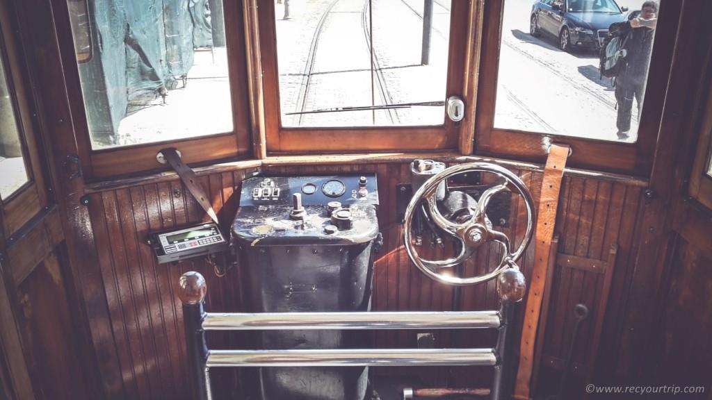 vecchio tram 1 porto oceano