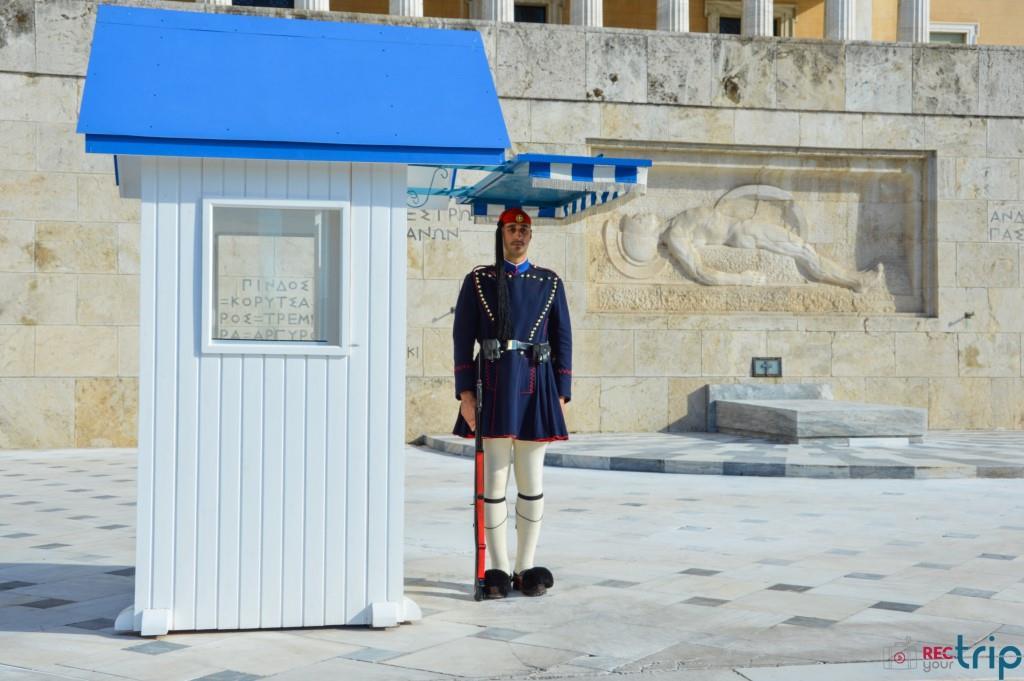 atene cosa vedere piazza syntagma cambio della guardia