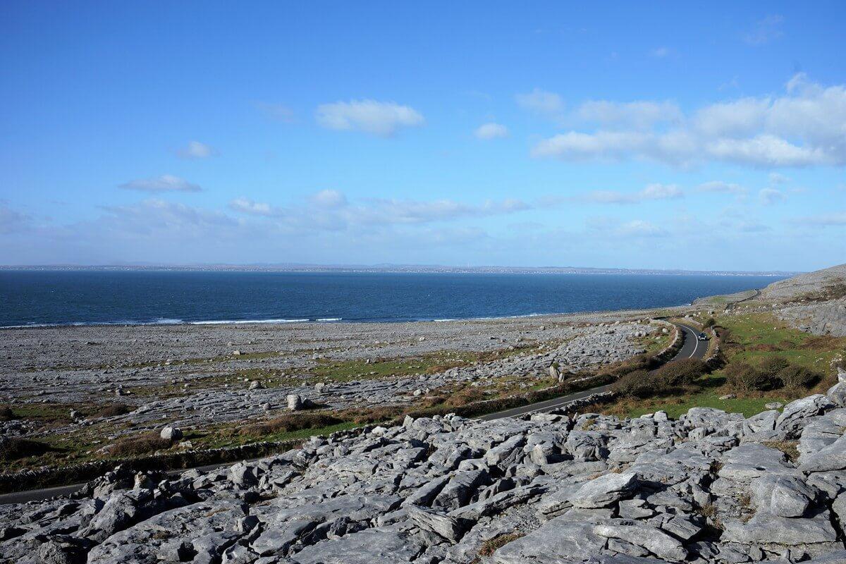 La bellissima conformazione del Burren in Irlanda