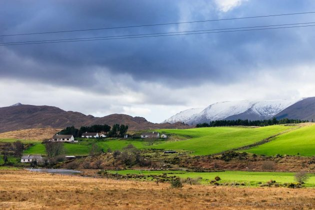 la neve che imbianca i panorami del Connemara in Irlanda