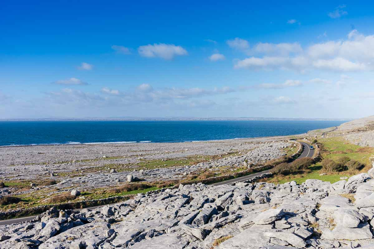 itinerario on the road in irlanda panorama vicino a doolin