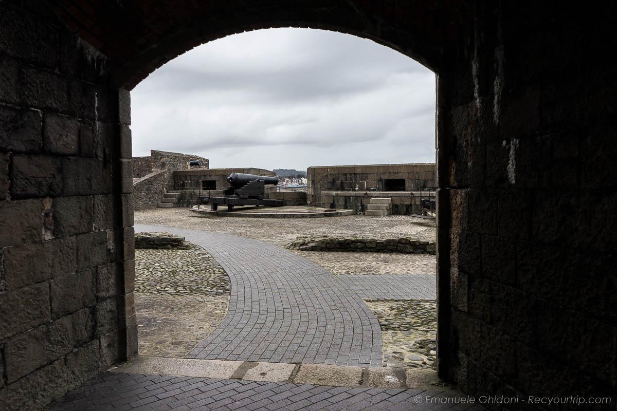 Castello di Carrickfergus che si può vedere nell'itinerario in Irlanda del Nord