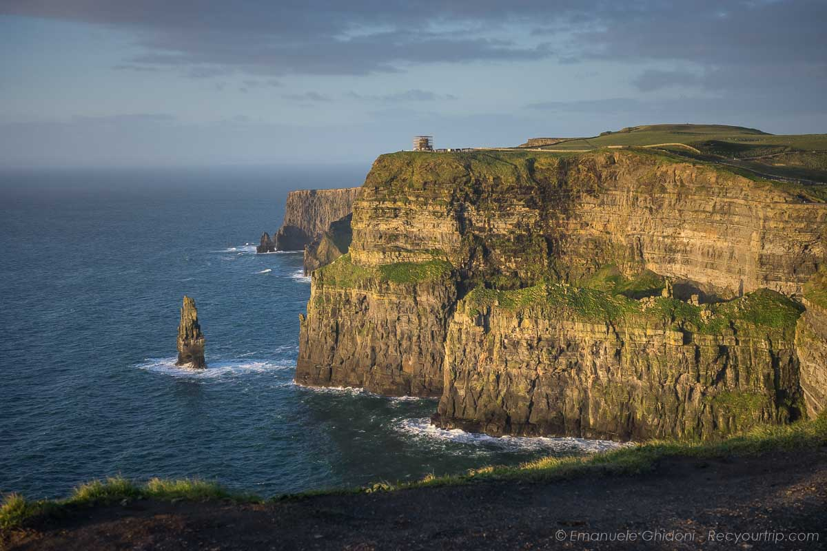 itinerario on the road in irlanda cliffs of moher