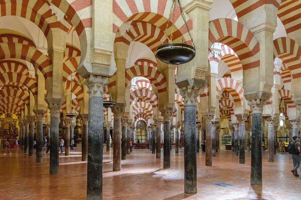 interni della mezquita di cordoba le colonne interne