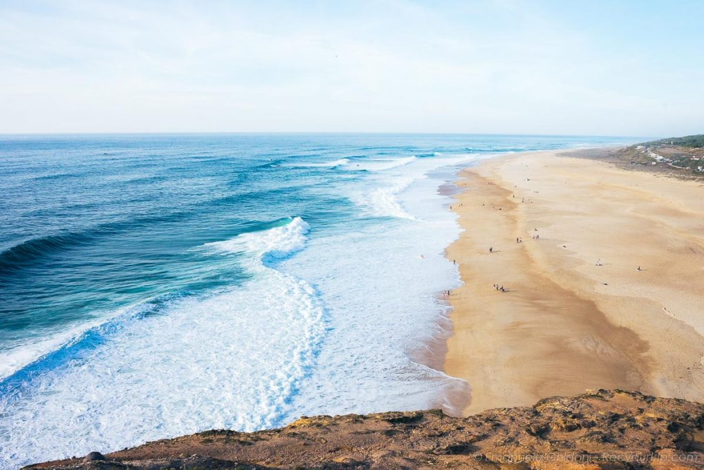 nazaré portogallo vista sulla spiaggia