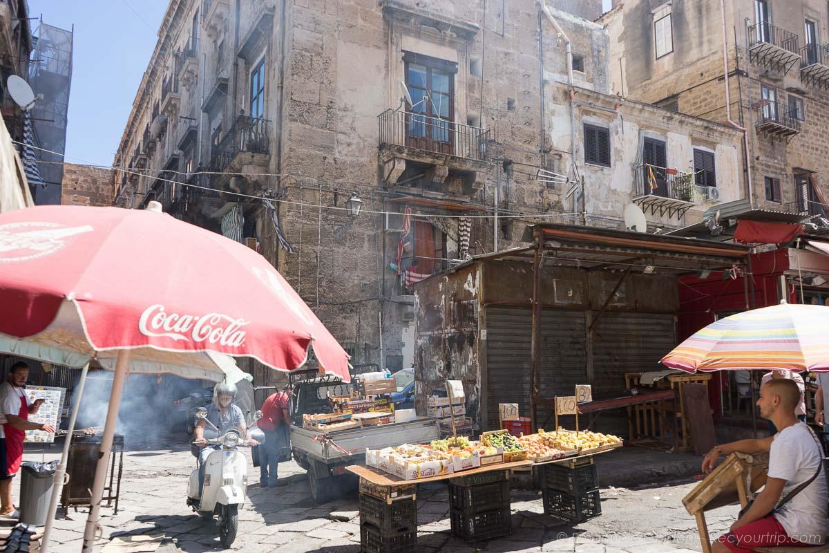 mercato di ballaro a palermo nella sicilia occidentale