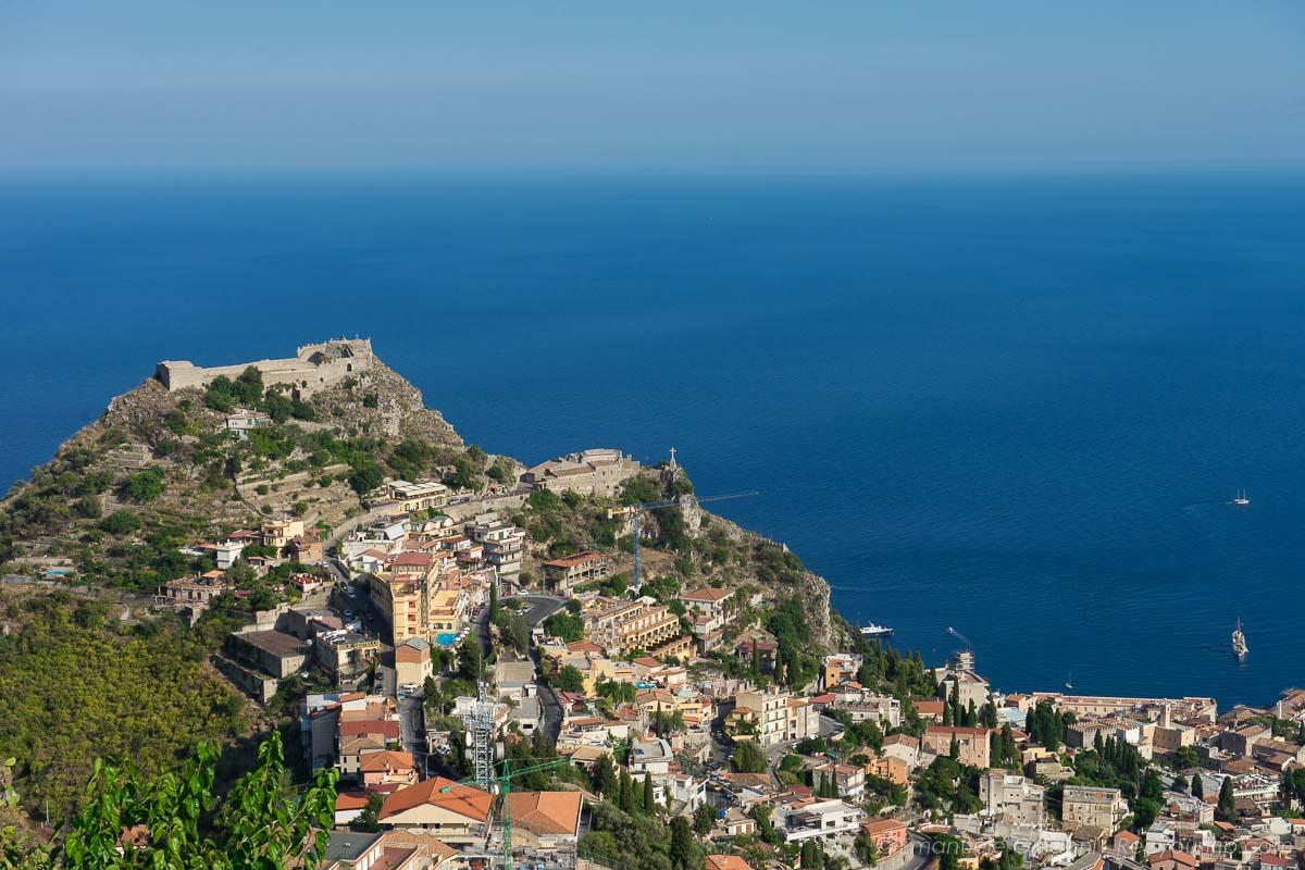 panorama da castelmola sulla sicilia orientale