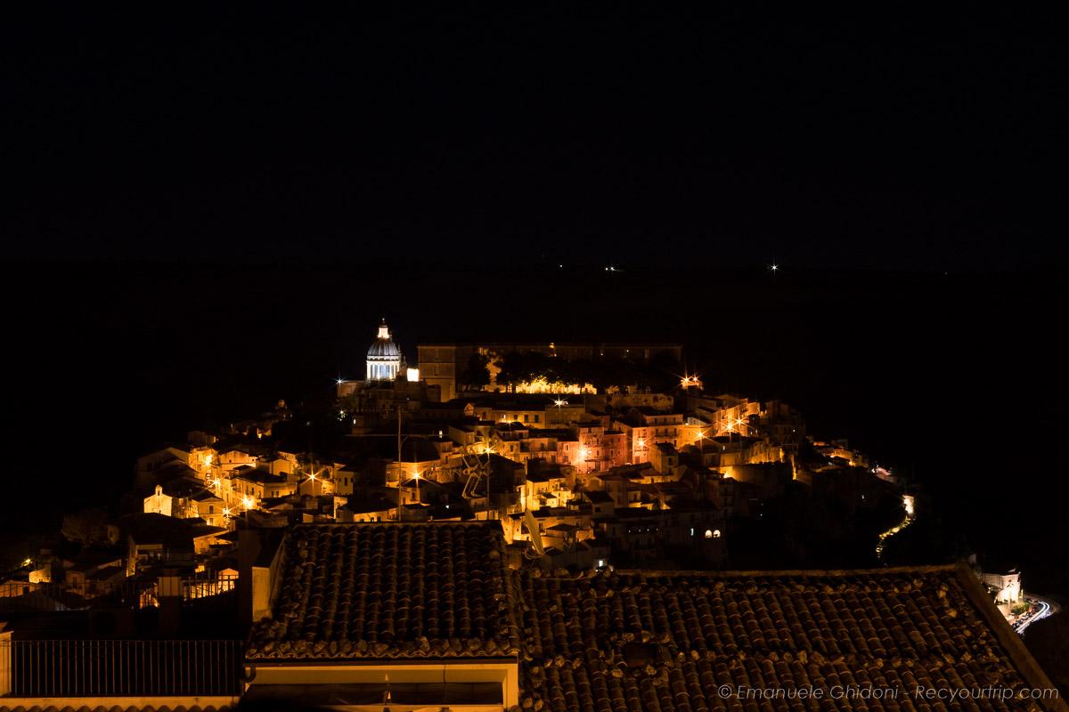 ragusa ibla di sera itinerario in sicilia