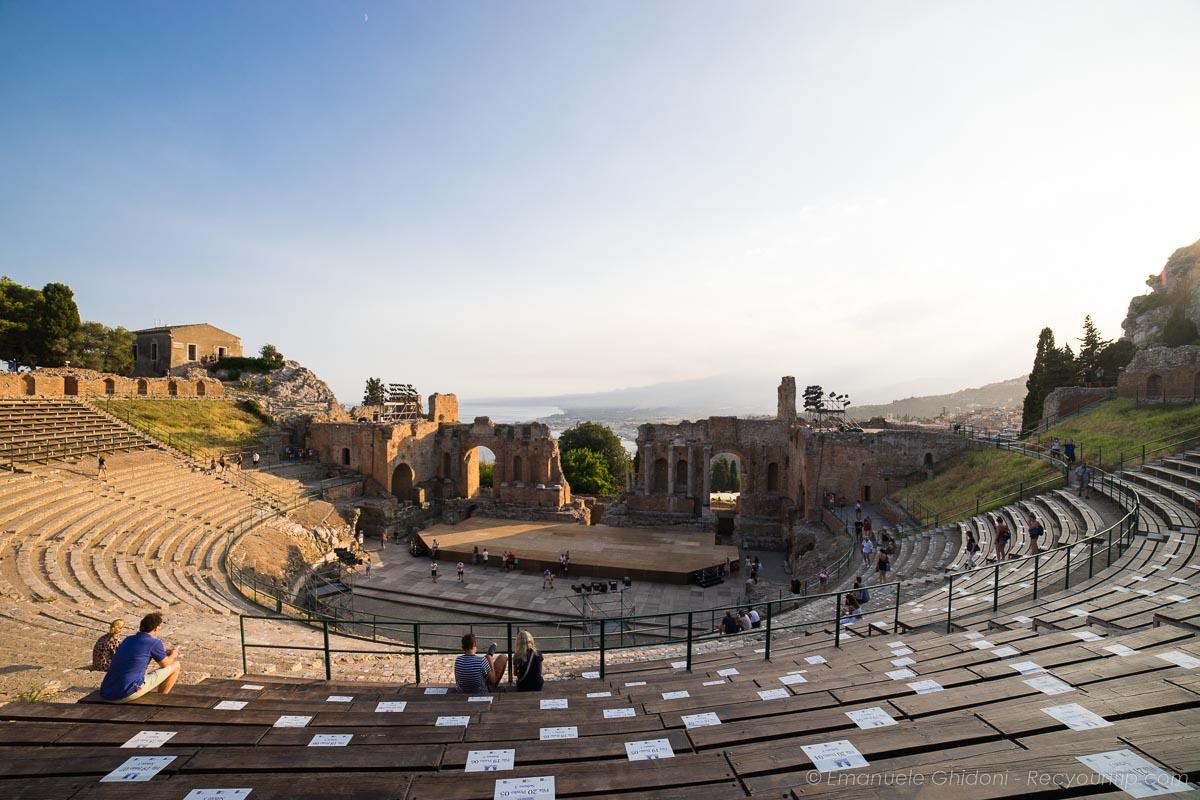 teatro antico di taormina in sicilia